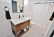 Master Bath w/ Shiplap