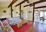 Exposed beams, vaulted ceiling